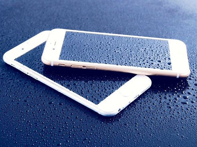 water wet phone